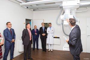 Anschauen und Erklärungen der radiologischen Geräte in der Schön Klinik Nürnberg Fürth
