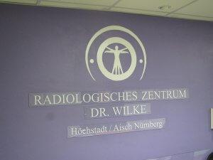 Praxislogo im Eingangsbereich in Höchstadt / Aisch Nürnberg